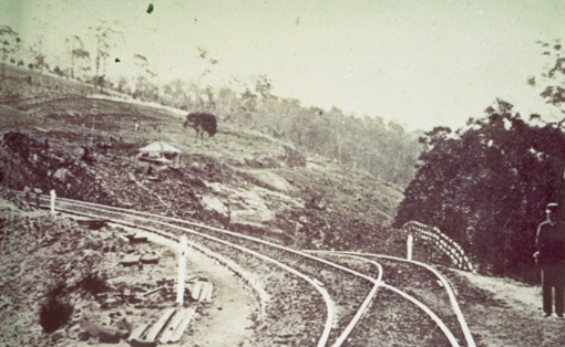 Lower points Lapstone Zig Zag 1870s
