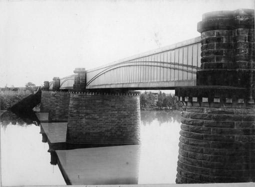 Victoria Bridge 1890s